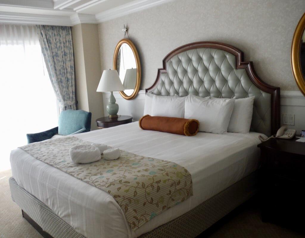 one bedroom villa master bedroom