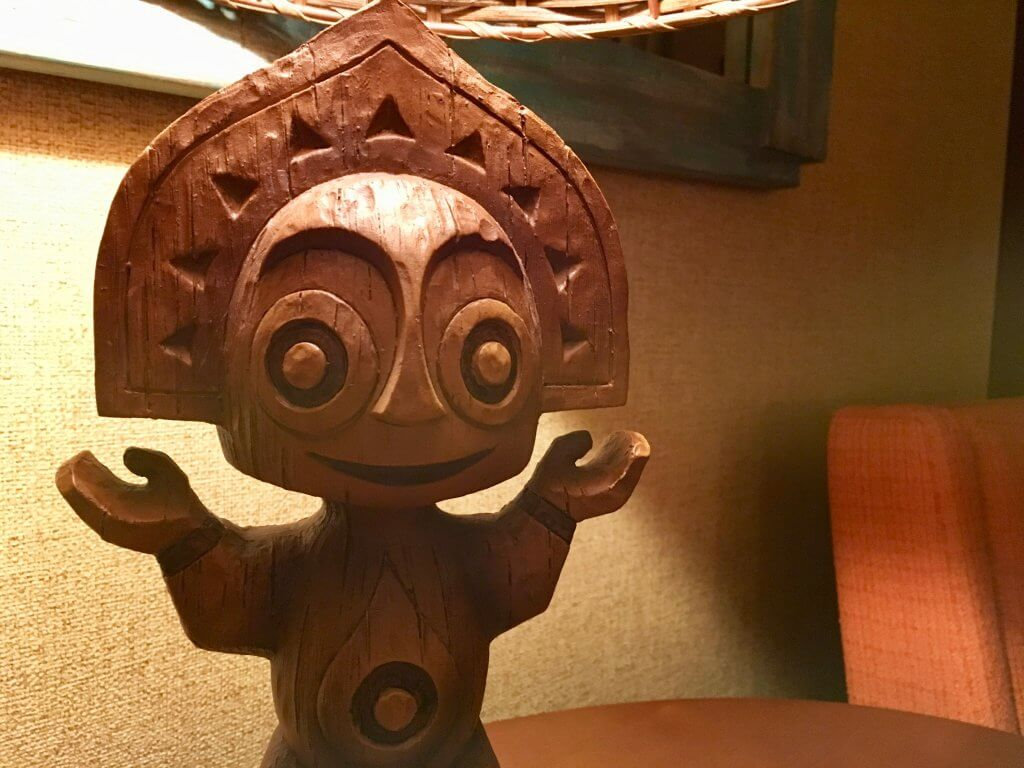 Polynesian studio studio lamp detail