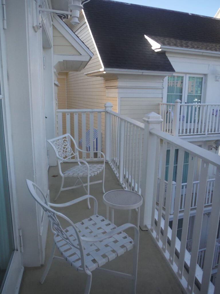 dvc bwv one bedroom villa balcony chairs