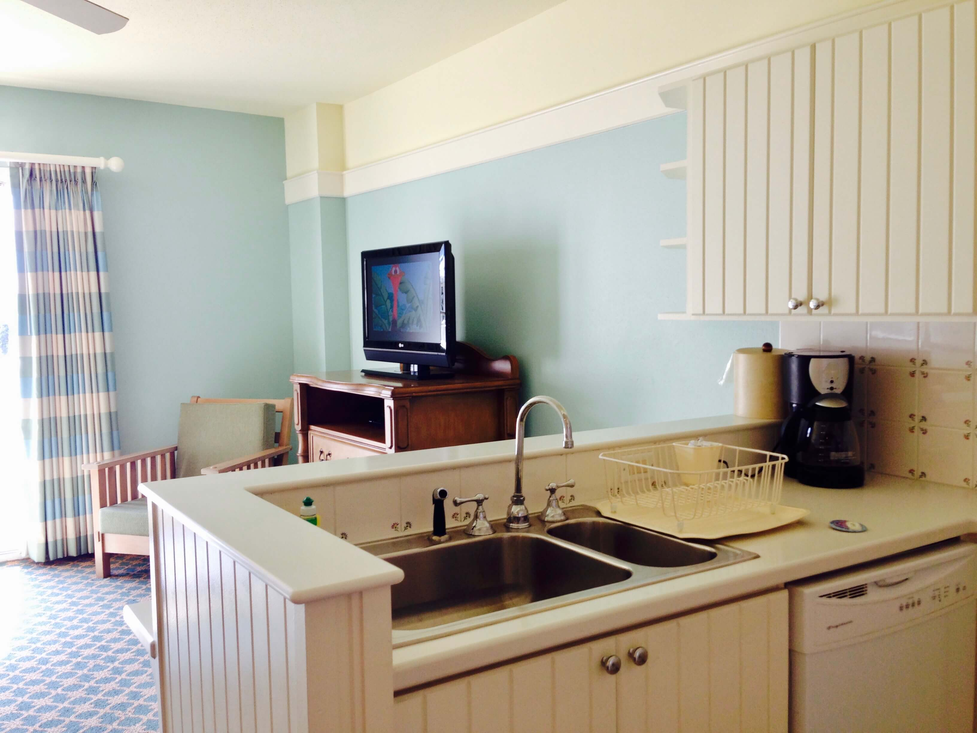 dvc bwv kitchen looking into living area