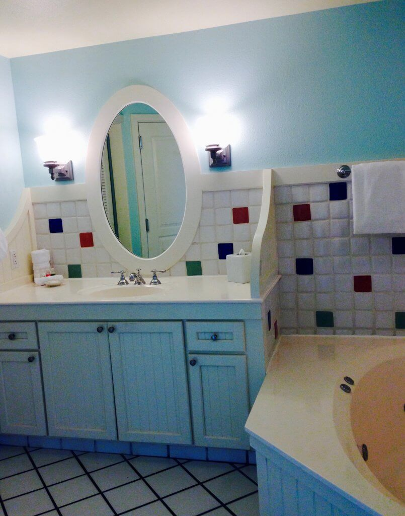 dvc bwv large vanity with sink and jetted tub